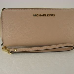 Michael Kors Jet Set Travel Continental Wallet NWT